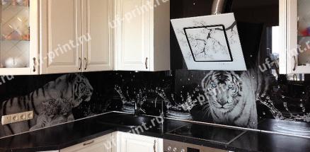 г. Москва. Фартук Скинали Тигр №845 , обычное стекло + фотопечать , 2900х575 мм
